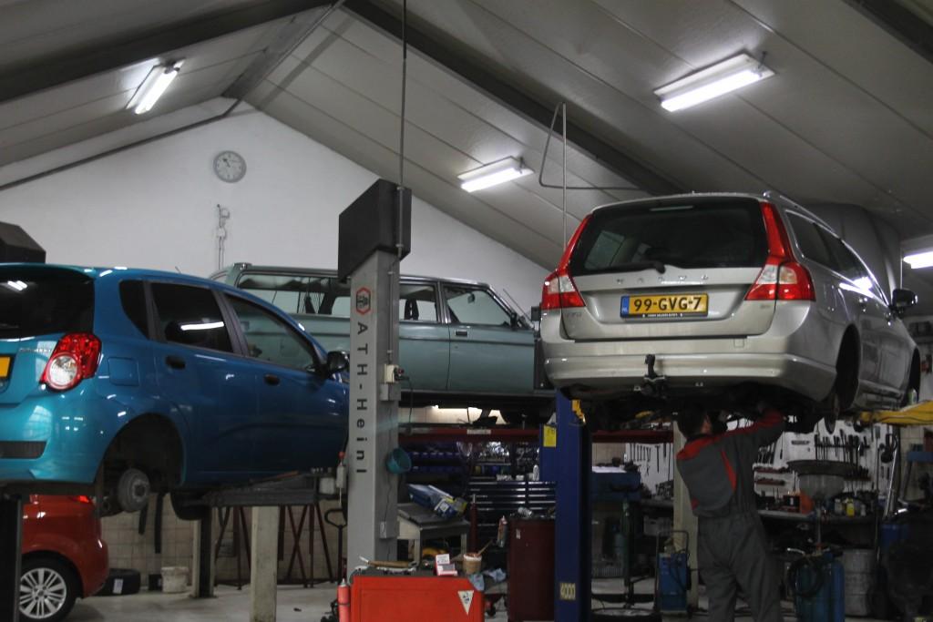 werkplaats-autobedrijf-roetert-1